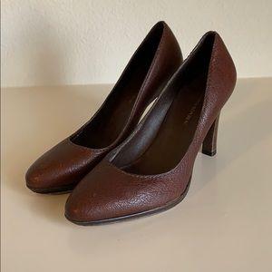 Women's Banana Republic Brown Leather Heels